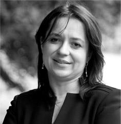 Agata Gemzik-Salwach - pracuje w Zakładzie Bankowości i Ubezpieczeń Katedry Finansów i Bankowości